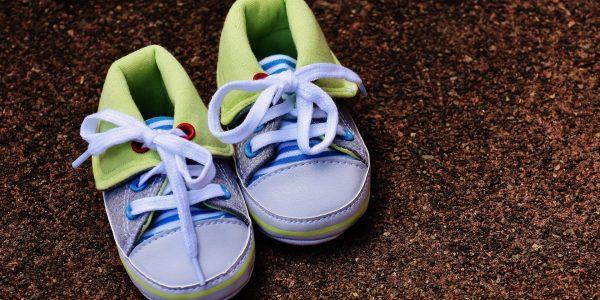 Babyschuhe und unerfüllter Kinderwunsch